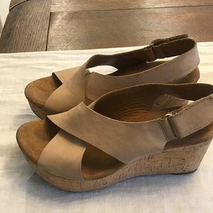 Clarks Shoes - Clark's Artisan Caslon Shaw Wedge Sandal Size 7.5